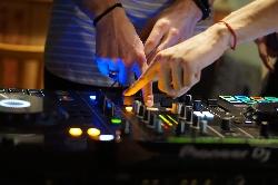 Afbeelding › Master DJ School
